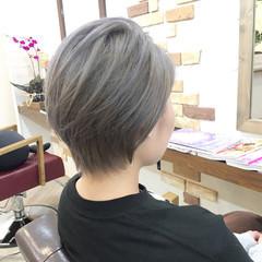 アッシュ ショート シルバーアッシュ ストリート ヘアスタイルや髪型の写真・画像