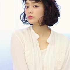 モード フェミニン レイヤーカット ミディアム ヘアスタイルや髪型の写真・画像