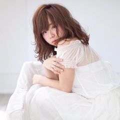 ミディアム 大人かわいい かわいい 暗髪 ヘアスタイルや髪型の写真・画像