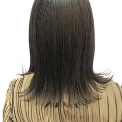 アッシュグレージュ セミロング アッシュベージュ ナチュラル ヘアスタイルや髪型の写真・画像