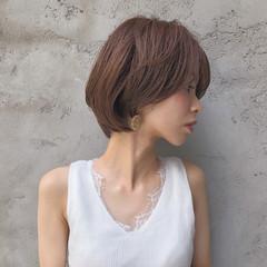 ウルフカット ナチュラル ショートヘア インナーカラー ヘアスタイルや髪型の写真・画像