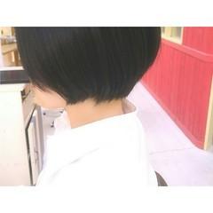 ナチュラル 黒髪 ショート 前下がり ヘアスタイルや髪型の写真・画像