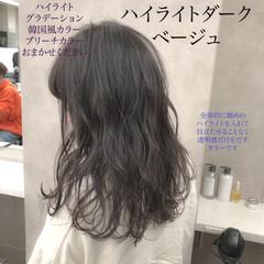 ハイライト 暗髪 ナチュラル グレージュ ヘアスタイルや髪型の写真・画像