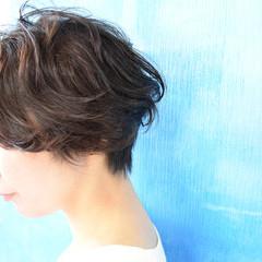 フェミニン ショート ヘアスタイルや髪型の写真・画像