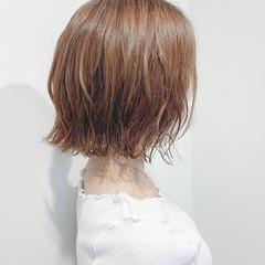 ショートボブ 切りっぱなしボブ ナチュラル ボブ ヘアスタイルや髪型の写真・画像