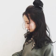 暗髪 パーマ ウェーブ 簡単ヘアアレンジ ヘアスタイルや髪型の写真・画像