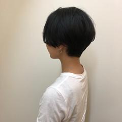 耳かけ ふわふわ センター分け ナチュラル ヘアスタイルや髪型の写真・画像