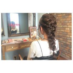 編み込み ガーリー アッシュ ロング ヘアスタイルや髪型の写真・画像