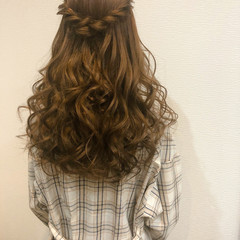 ロング ねじり 結婚式 ヘアアレンジ ヘアスタイルや髪型の写真・画像