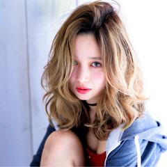 外国人風 ブラウン セミロング ハイライト ヘアスタイルや髪型の写真・画像