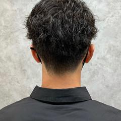 ショート ストリート アップバング メンズ ヘアスタイルや髪型の写真・画像
