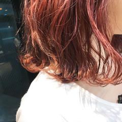 ミディアム ガーリー ピンク レッド ヘアスタイルや髪型の写真・画像