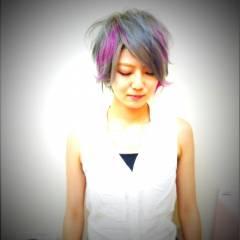 ストリート レッド 黒髪 ピンク ヘアスタイルや髪型の写真・画像