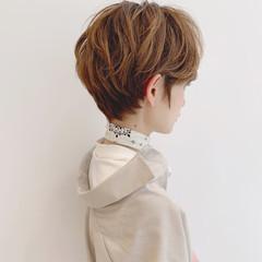 スポーツ パーマ フェミニン オフィス ヘアスタイルや髪型の写真・画像