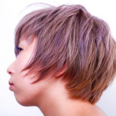 ダブルカラー ベージュ ショート ハイトーン ヘアスタイルや髪型の写真・画像