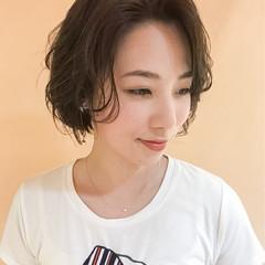 ショート 抜け感 ナチュラル 前髪あり ヘアスタイルや髪型の写真・画像