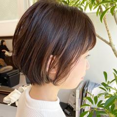 大人かわいい ショートヘア オフィス ナチュラル ヘアスタイルや髪型の写真・画像