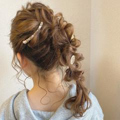 ナチュラル 編みおろしヘア ラーメンマンヘア ふわふわヘアアレンジ ヘアスタイルや髪型の写真・画像