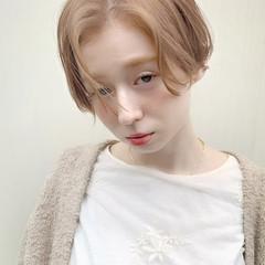 ショートヘア ショートボブ ナチュラル シアーベージュ ヘアスタイルや髪型の写真・画像