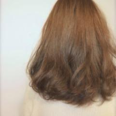アッシュ 大人かわいい ハイライト ゆるふわ ヘアスタイルや髪型の写真・画像
