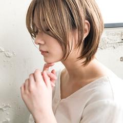 前髪あり ベリーショート シアーベージュ 結婚式ヘアアレンジ ヘアスタイルや髪型の写真・画像