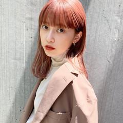 ミディアム ピンクアッシュ ピンクベージュ ベリーピンク ヘアスタイルや髪型の写真・画像
