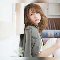 ガーリー ミディアム アッシュグレージュ セミロング ヘアスタイルや髪型の写真・画像