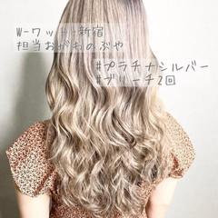 ウルフカット コントラストハイライト デート ナチュラル ヘアスタイルや髪型の写真・画像