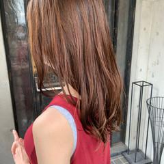 大人かわいい レイヤーカット コテ巻き風パーマ ロング ヘアスタイルや髪型の写真・画像