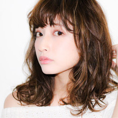 前髪あり かわいい ハイライト アッシュ ヘアスタイルや髪型の写真・画像