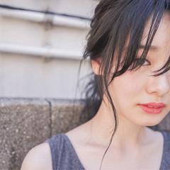 秋 セミロング 透明感 暗髪 ヘアスタイルや髪型の写真・画像