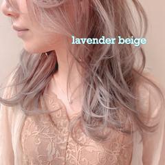 ナチュラル ピンクベージュ ラベンダーカラー セミロング ヘアスタイルや髪型の写真・画像