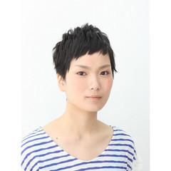 ショート ベリーショート 黒髪 ショートバング ヘアスタイルや髪型の写真・画像