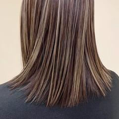 ミディアム ウルフカット 切りっぱなしボブ ショートボブ ヘアスタイルや髪型の写真・画像