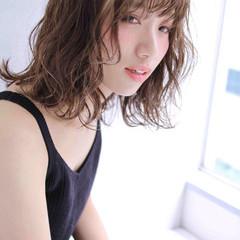 ピュア 外国人風 ミディアム くせ毛風 ヘアスタイルや髪型の写真・画像