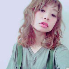 ミディアム 外国人風 アッシュベージュ ラベンダーアッシュ ヘアスタイルや髪型の写真・画像