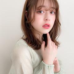 ミディアム ミディアムレイヤー アンニュイほつれヘア 大人可愛い ヘアスタイルや髪型の写真・画像