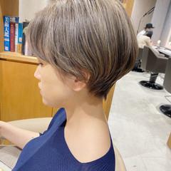 グレージュ ナチュラル ショートヘア ショートボブ ヘアスタイルや髪型の写真・画像