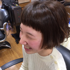 アッシュ ショート ショートボブ 前髪あり ヘアスタイルや髪型の写真・画像