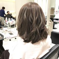 外国人風カラー ナチュラル アッシュ グレージュ ヘアスタイルや髪型の写真・画像