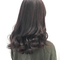 ロング ウェーブ ゆるふわ フェミニン ヘアスタイルや髪型の写真・画像