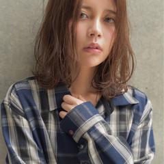 ミディアム 暗髪 ストリート アッシュ ヘアスタイルや髪型の写真・画像
