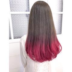 ベリーピンク モード ピンク グラデーションカラー ヘアスタイルや髪型の写真・画像