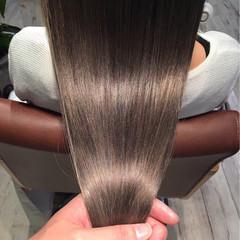 アッシュ ストリート グレージュ 透明感 ヘアスタイルや髪型の写真・画像