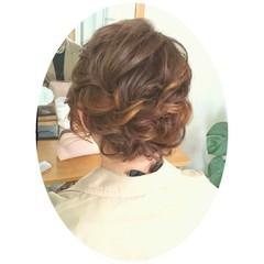 ミディアム ねじり ゆるふわ ヘアアレンジ ヘアスタイルや髪型の写真・画像