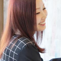 秋 レッド セミロング ナチュラル ヘアスタイルや髪型の写真・画像