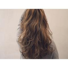 外国人風 ロング グラデーションカラー グレージュ ヘアスタイルや髪型の写真・画像