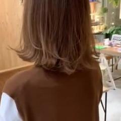 イルミナカラー ボブ ハイライト 外ハネボブ ヘアスタイルや髪型の写真・画像