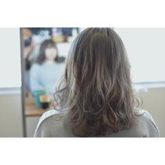 ミディアム バレイヤージュ 外国人風カラー ストリート ヘアスタイルや髪型の写真・画像