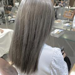 シルバーグレー セミロング シルバー グレー ヘアスタイルや髪型の写真・画像